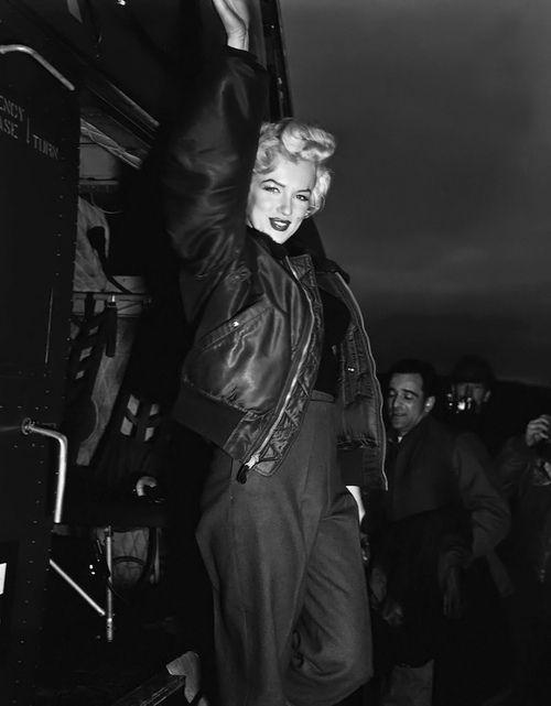 Marilyn Monroe B15